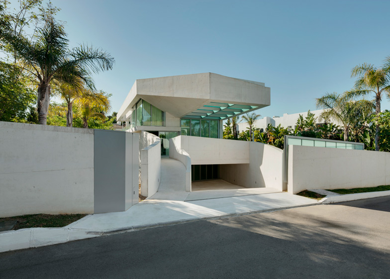 3. Jellyfish House - The Jellyfish House by Wiel Arets Architects in Marbella, Málaga