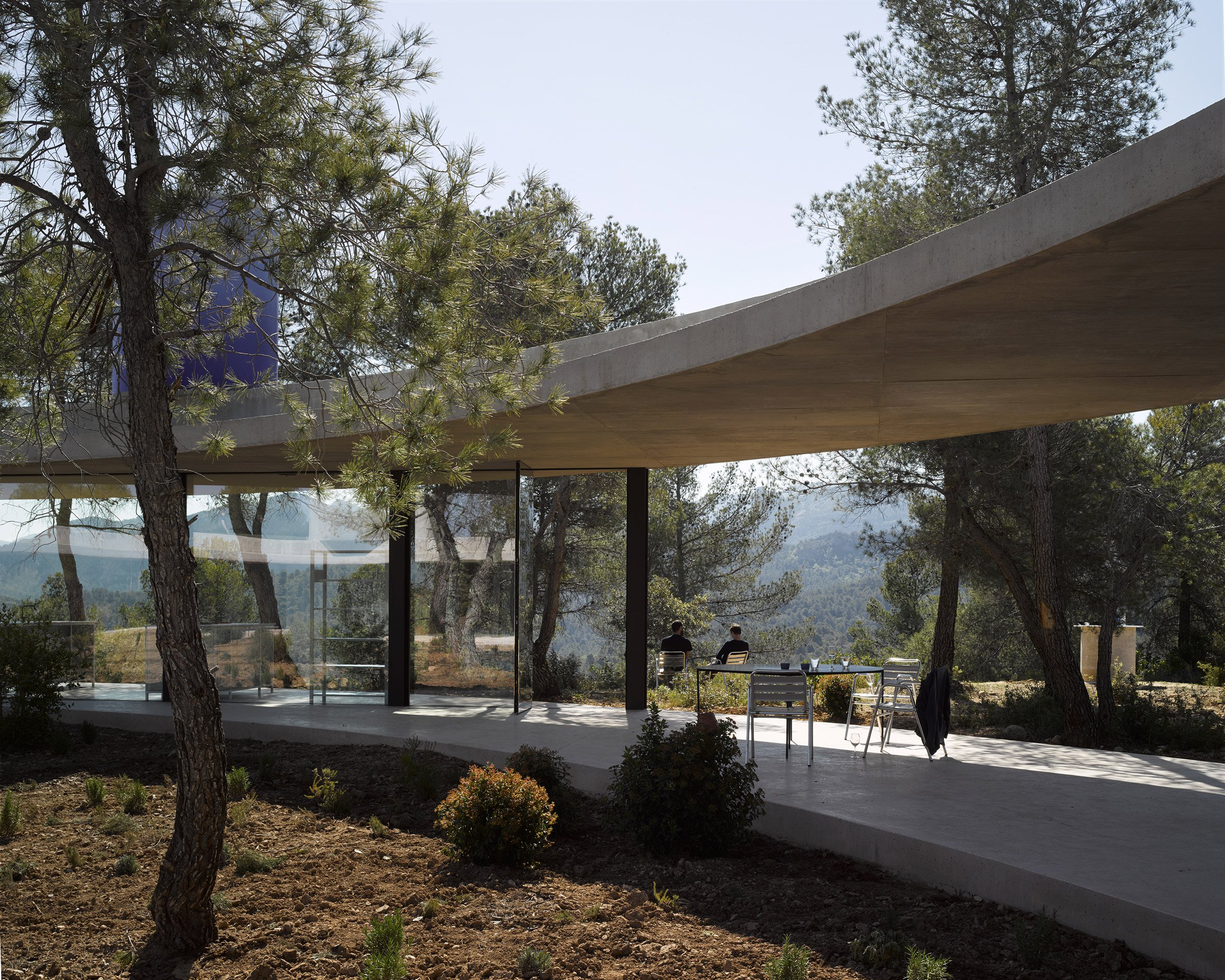3. Solo House II by Office KGDVS in Matarraña Teruel - Solo House II by Office KGDVS encircles forested hilltop in Matarraña, Teruel