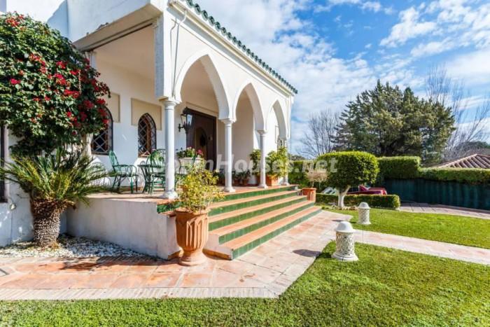3. Villa for sale in Castilleja de la Cuesta (Seville)