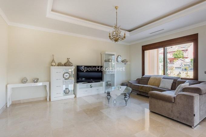 3. Villa for sale in Marbella - For Sale: Outstanding Villa in Marbella, Málaga