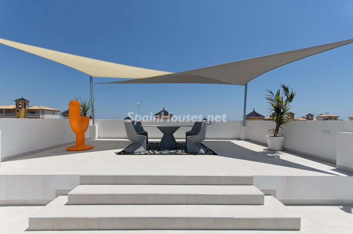 3. Villa for sale in Orihuela Costa (Alicante)
