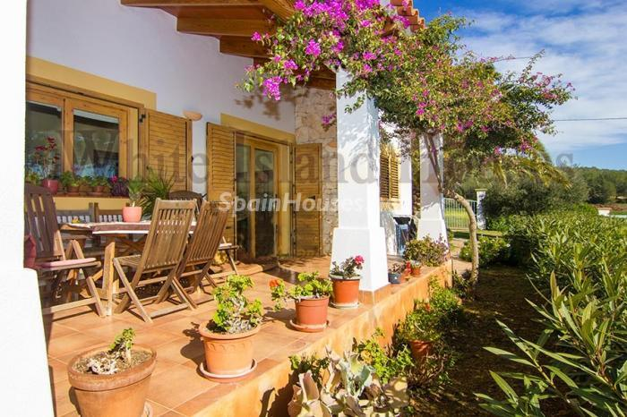 3. Villa for sale in Santa Eulalia del Río