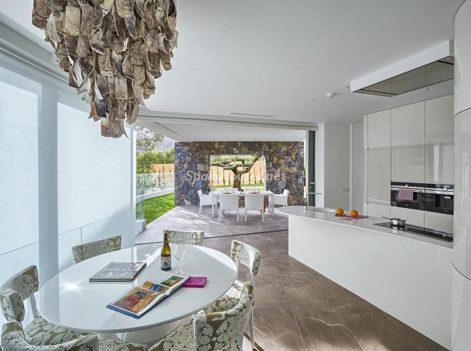 3. Villa in Finestrat Alicante designed by Gestec - Modern Villa in Finestrat, Alicante, designed by GESTEC