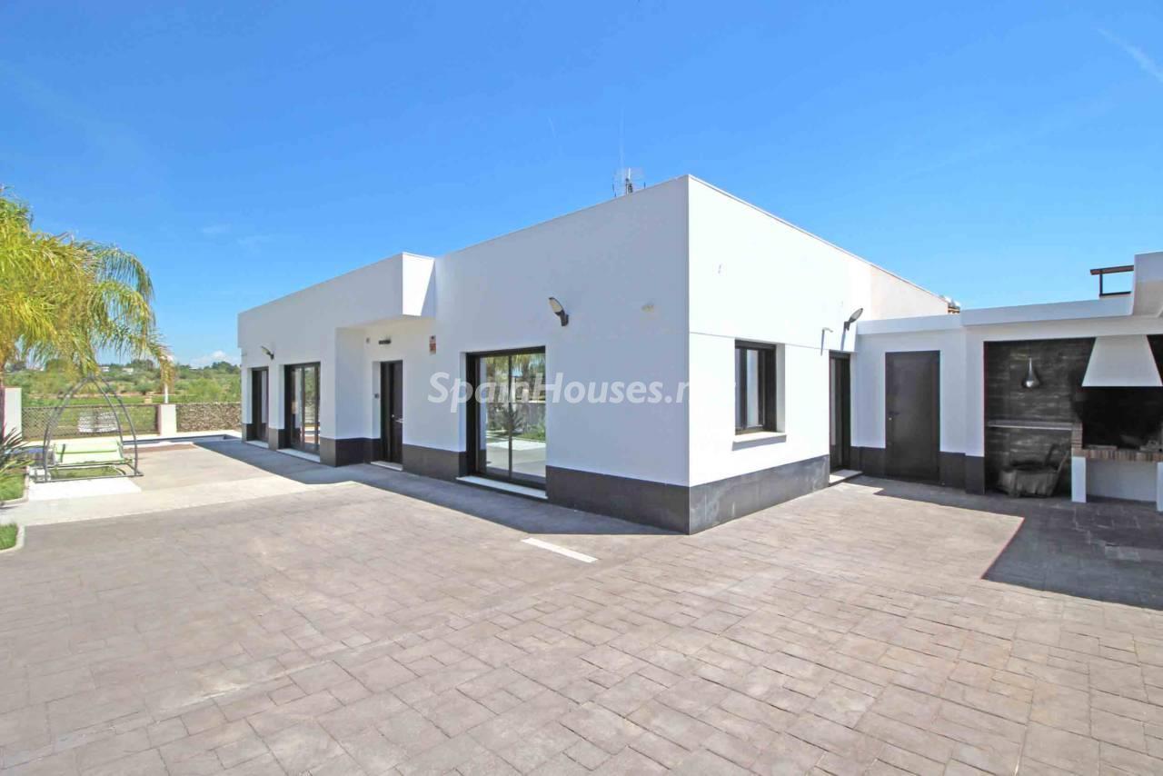 30436083 1969618 foto 811295 - Fabulous Homes for Sale in Valencia Province, Mediterranean Coast!