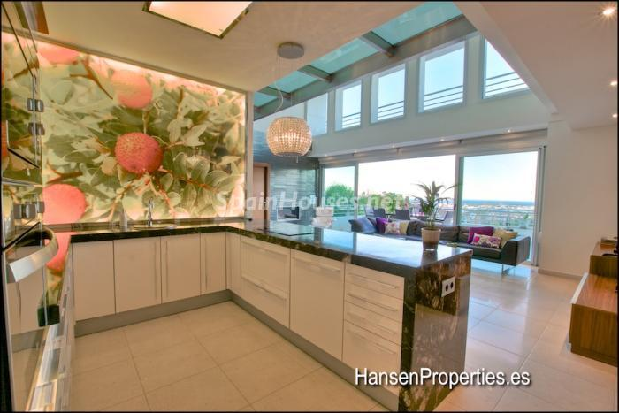 315 - Modern Style Villa for Sale in Malaga City