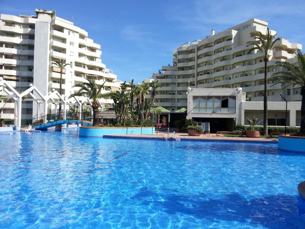 32578759 2302793 foto 179112 1024x768 - Time to plan your holidays! The best apartments to rent in the coast of Málaga