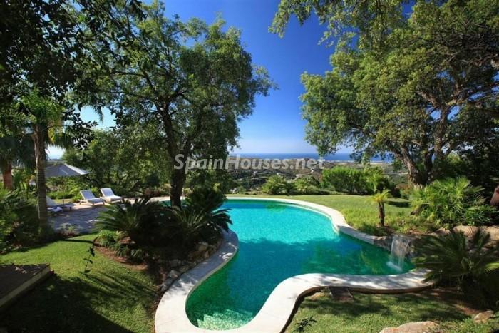 341 - Fabulous Villa for sale in Marbella (Málaga)