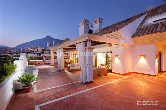 348 - Outstanding Penthouse Apartment for Sale in Marbella (Málaga)