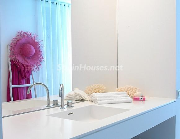 3574676 1237839 foto2629620121 - Luxurious Flat for Sale in Ibiza, Balearic Islands