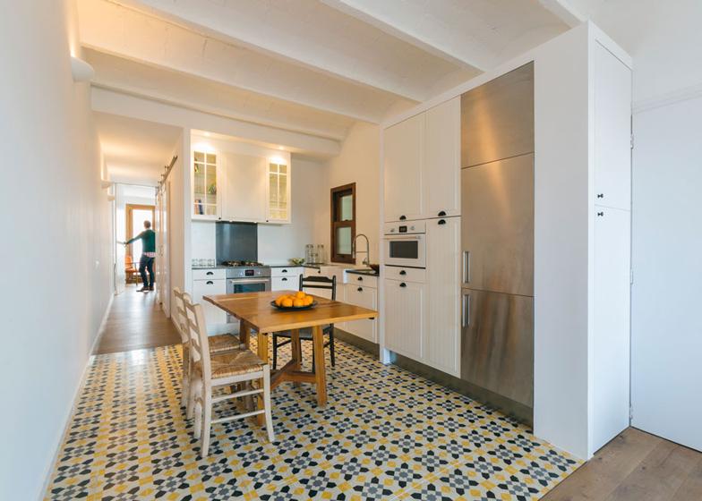 4 Barcelona Apartment