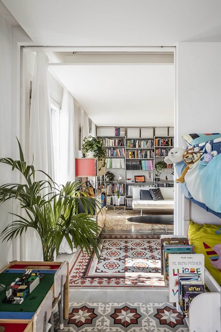 4. Apartment refurbishment in Barcelona 1 - Apartment Refurbishment in Barcelona by Narch