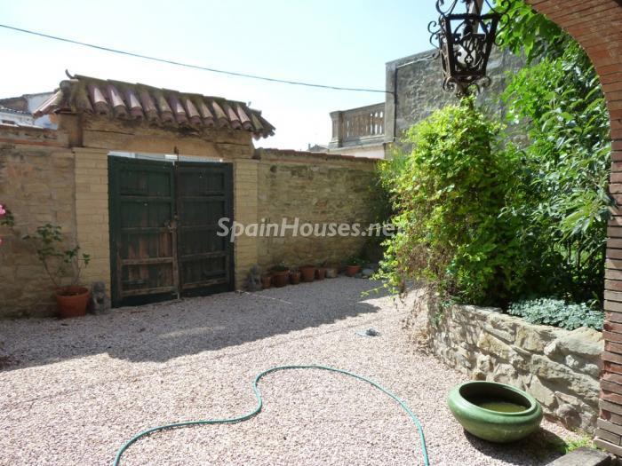 4. Detached house for sale in Cervera Lleida - For Sale: Beautiful Detached House in Cervera, Lleida
