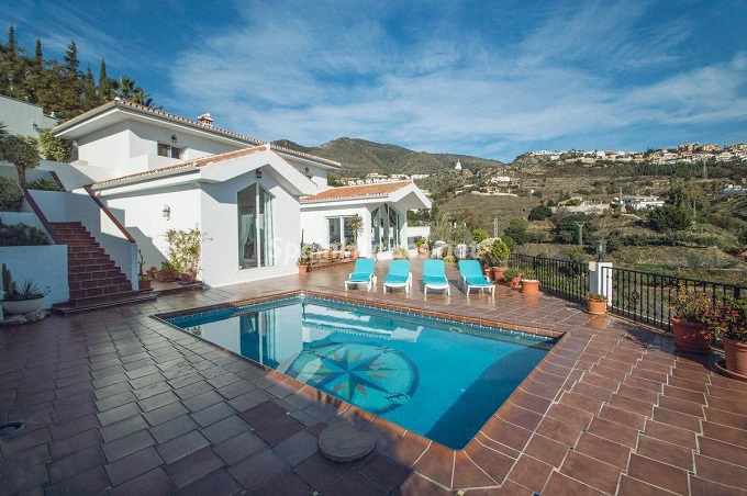 4. Detached villa for sale in Benalmádena Costa Málaga - Bright Detached Villa for Sale in Benalmádena Costa (Málaga)