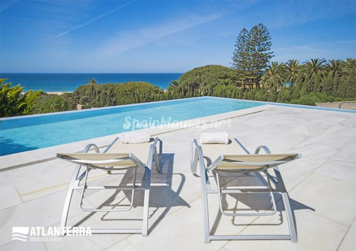 4. Detached villa for sale in Zahara de los Atunes
