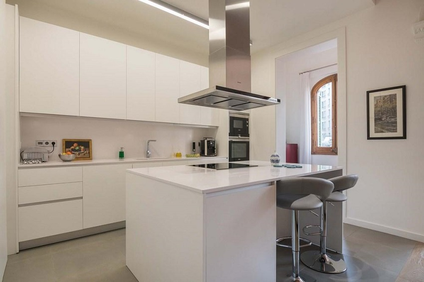 4. Flat for sale in Eixample Barcelona - For sale: Apartment in Eixample, Barcelona city centre