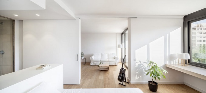 4. Home in Barcelona by Roman Izquierdo Bouldstridge 1 - Apartment Renovation in Barcelona by Roman Izquierdo Bouldstridge