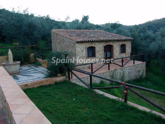 4. House for sale in Aracena Huelva - For Sale: Country House with Gorgeous Mountain Views in Aracena, Huelva