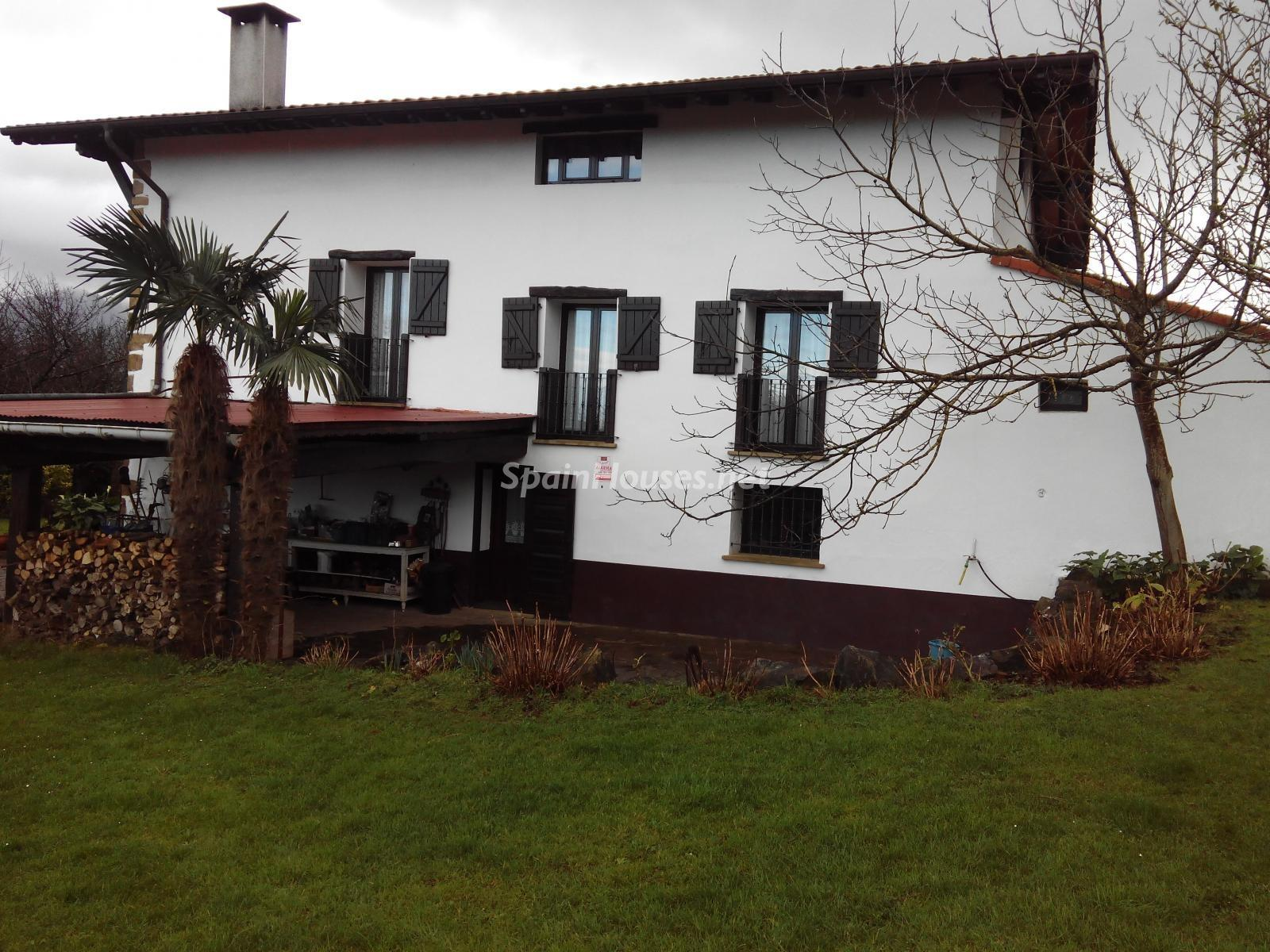 4. House for sale in Hondarribia Guipúzcoa - Charming Country House in Hondarribia, Guipúzcoa