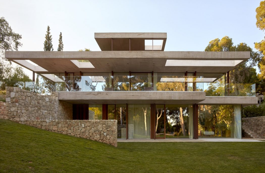 4. House in Rocafort by Ramón Esteve - Home in the pine forest of Rocafort by Ramón Esteve