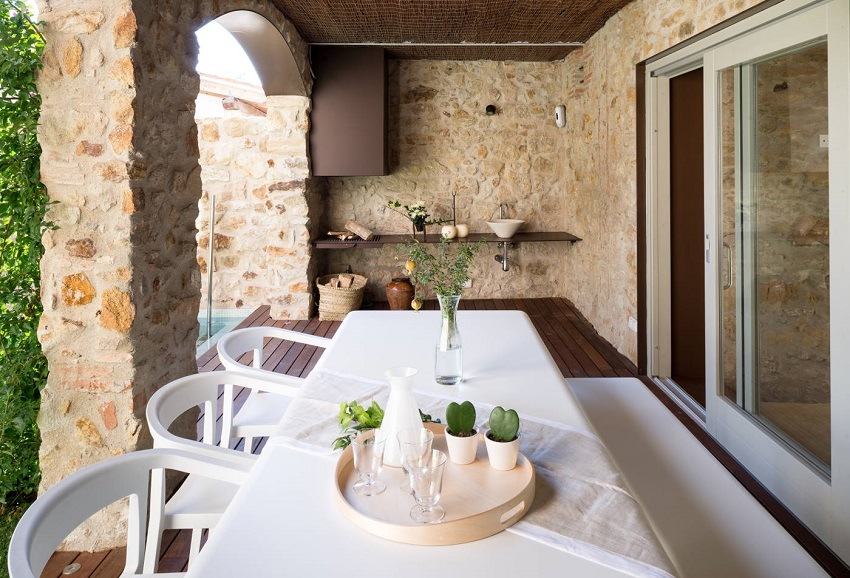 4. House restoration in Girona - Stunning country house renovation by architect Gloria Duran
