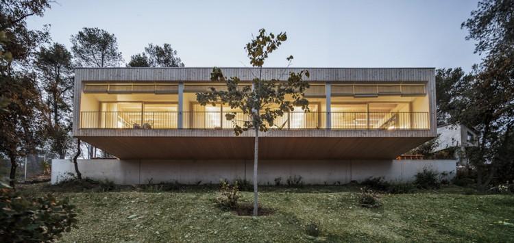4. Modern residence Barcelona1 e1447837472996 - House LLP in Barcelona by Alventosa Morell Arquitectes