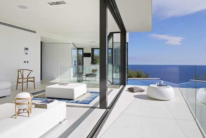 4. Seaside residence in Girona