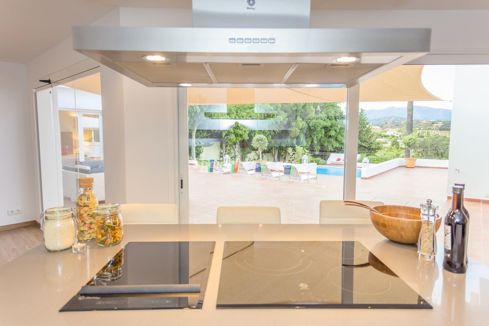 4. Villa for sale in Estepona Málaga - Beautiful 4 Bed Villa For Sale in Estepona, Málaga