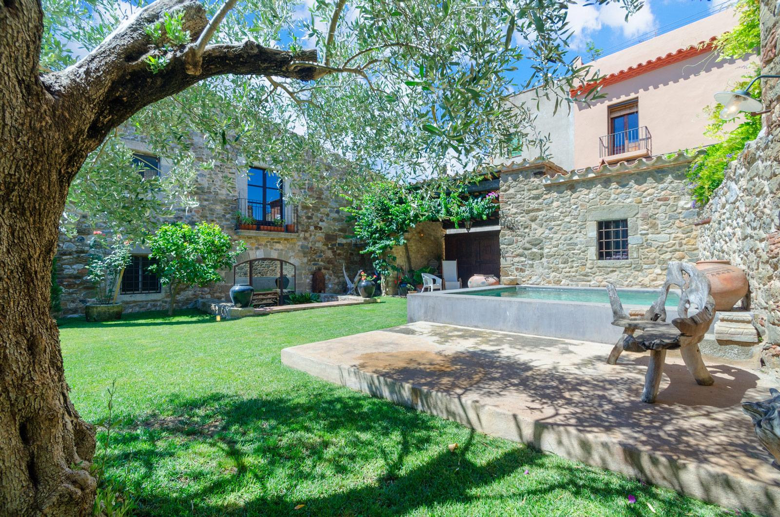 4. Villa for sale in Girona - Traditional Masia, Catalonia country house, for sale in Girona