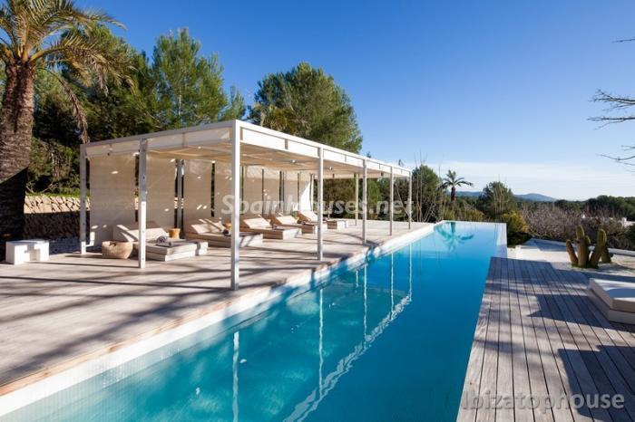 4. Villa for sale in Ibiza Balearic Islands - For Sale: Stunning Villa in Ibiza, Balearic Islands