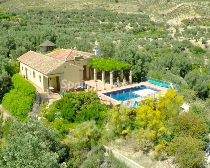 4. Villa for sale in Lecrín (Granada)