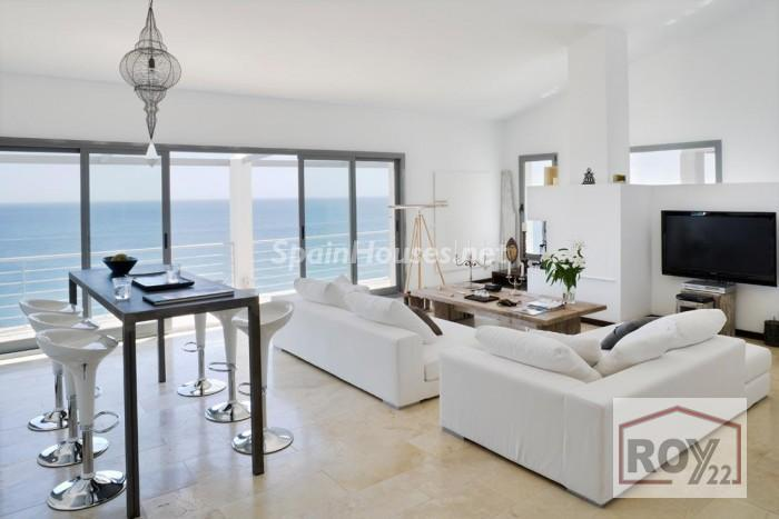 4. Villa for sale in Manilva Málaga - Detached villa for sale in Manilva, Málaga, charms with its stunning views