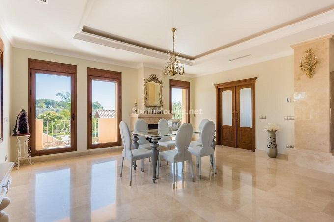 4. Villa for sale in Marbella - For Sale: Outstanding Villa in Marbella, Málaga