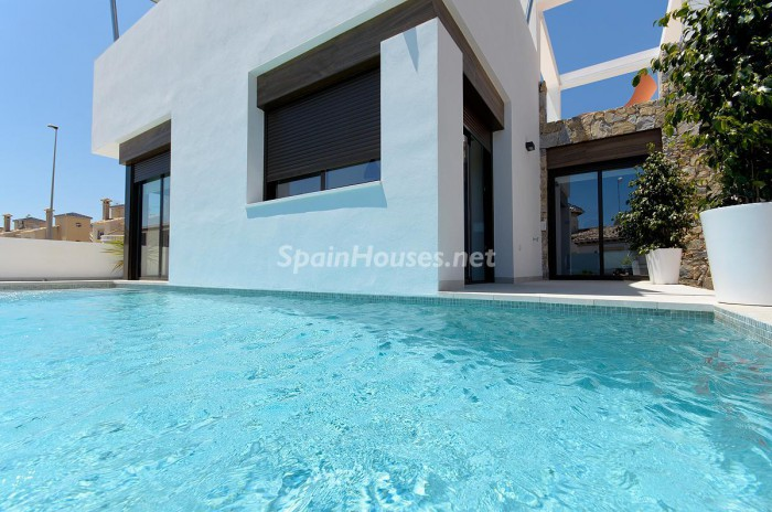 4. Villa for sale in Orihuela Costa (Alicante)