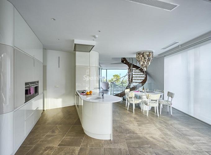 4. Villa in Finestrat Alicante designed by Gestec - Modern Villa in Finestrat, Alicante, designed by GESTEC