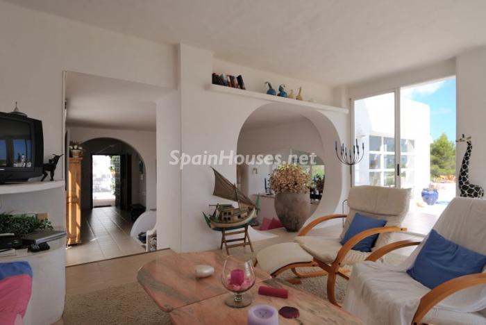40587 606111 foto8846399 - Fantastic villa for sale in Sant Josep de sa Talaia (Baleares)