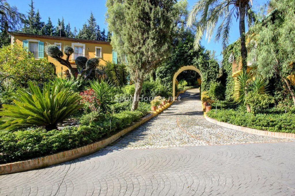 40701293 2097414 foto 790269 1024x683 - A French style fills Malaga with this spectacular house