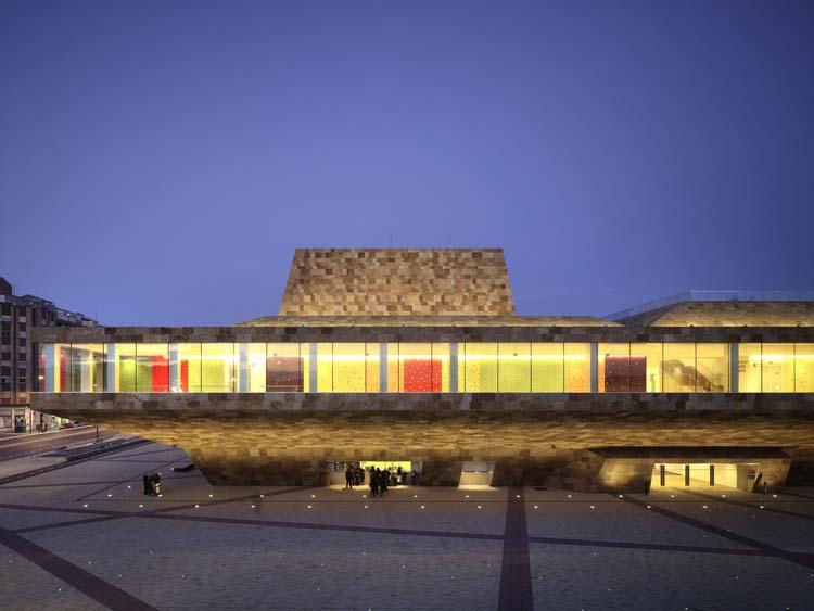 411 - La Llotja theatre and conference centre Lleida, Spain
