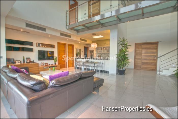 415 - Modern Style Villa for Sale in Malaga City