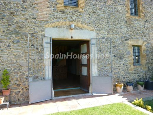 416 - Beautiful Country House for Sale in Sils, Girona