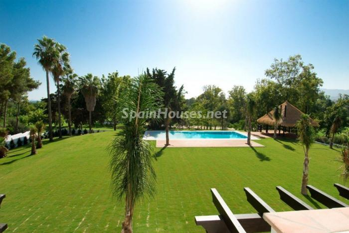 427 - Stunning Villa for Sale in Marbella, Costa del Sol