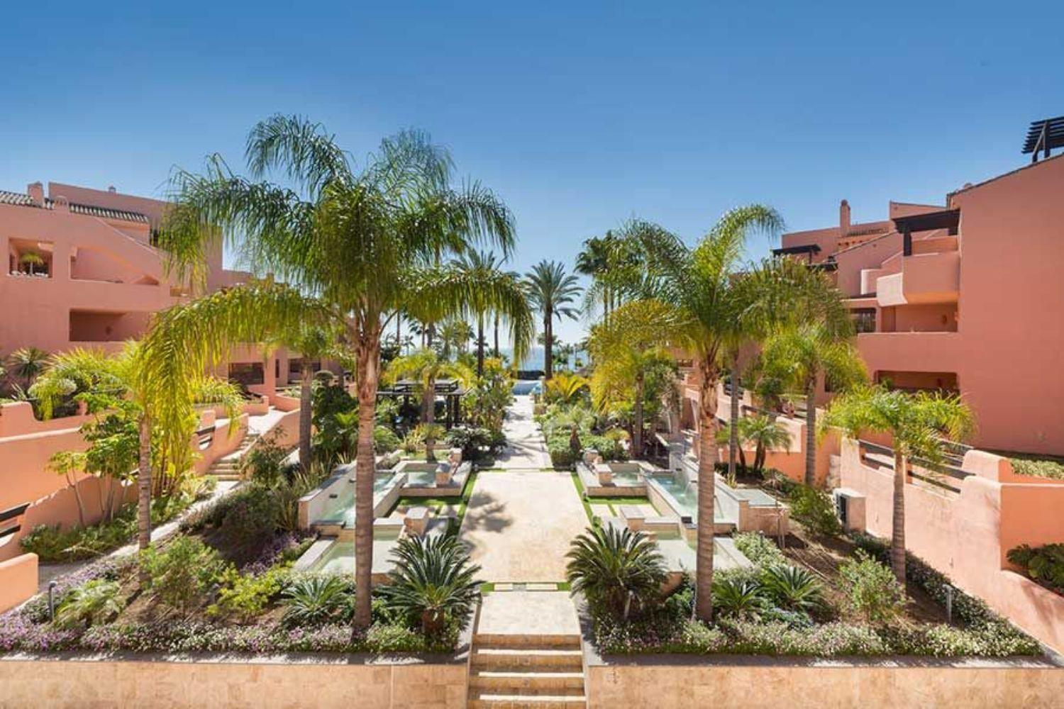 43168 2553835 foto 716540 - Fantastic penthouse on the beachfront of the New Golden Mile