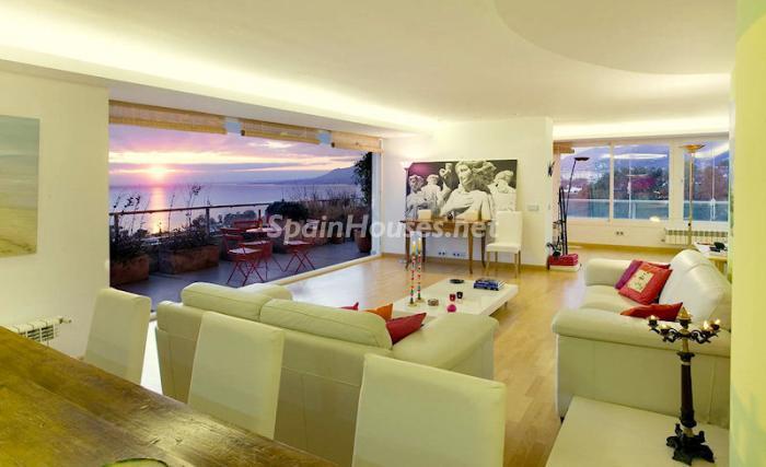 443 - Luxury Apartment for Sale in Marbella, Malaga