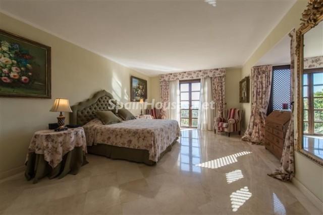 4476854 1240662 foto 517513 - Exclusive Villa for Sale in Benahavis, Costa del Sol