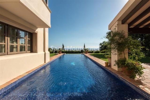 4476854 1240662 foto 546480 - Exclusive Villa for Sale in Benahavis, Costa del Sol