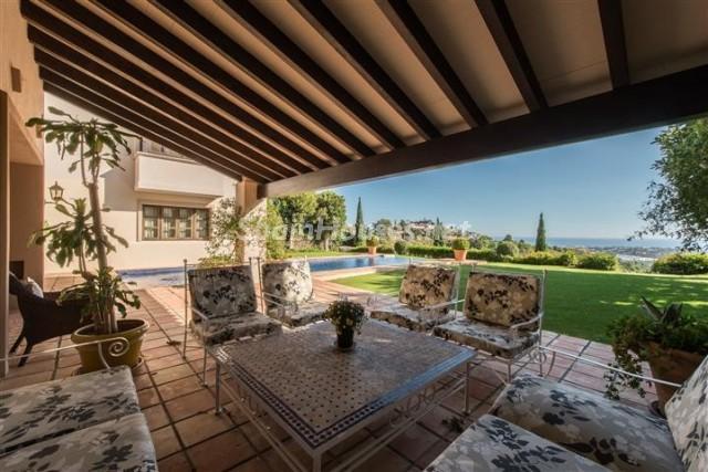 4476854 1240662 foto 595547 - Exclusive Villa for Sale in Benahavis, Costa del Sol