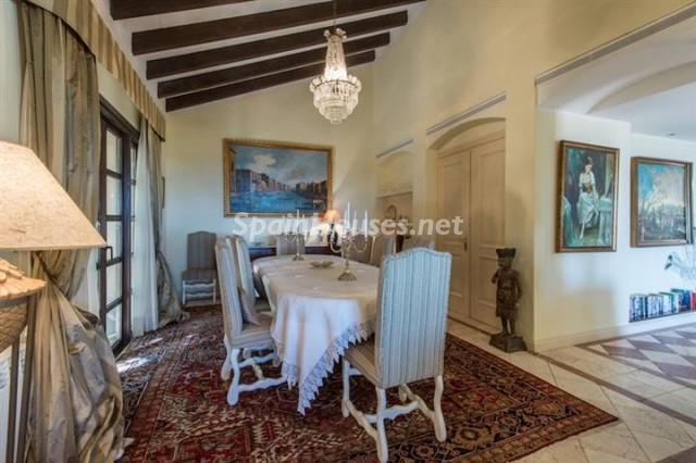 4476854 1240662 foto 930024 - Exclusive Villa for Sale in Benahavis, Costa del Sol