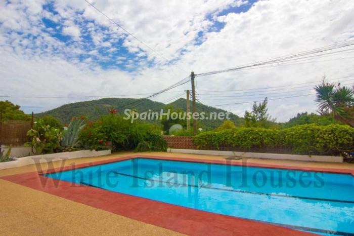 463 - White and Minimalist Villa for Sale in Ibiza, Balearic Islands