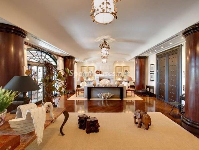 46353 1047421 foto 2 - Outstanding Villa for sale in Marbella, Málaga