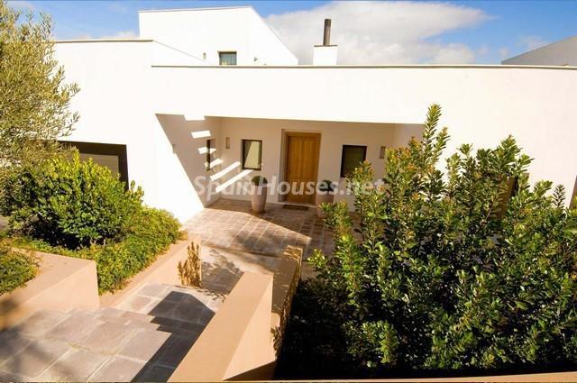 46353 924705 foto 2 - Modern Mediterranean Style: Villa in Sotogrande, Cádiz