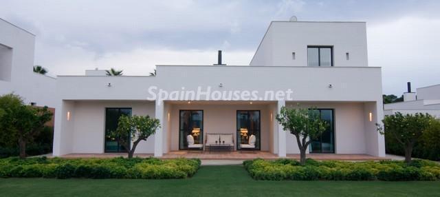 46353 924705 foto 8 - Modern Mediterranean Style: Villa in Sotogrande, Cádiz